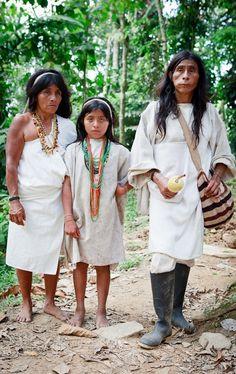 Familia Tradicional Kogui. www.magictourcolombia.com #americacentral #sudamerica