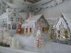 La petite maisonnette en version noël. Une merveille de douceur! Je vous souhaite un Joyeux Noël, que les fêtes soient douces et pleines de...