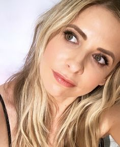 Vampire Hunter, Buffy The Vampire Slayer, Sarah Michelle Gellar Buffy, Kids Gymnastics, Buffy Summers, Kids Boxing, Amazing Women, Actresses