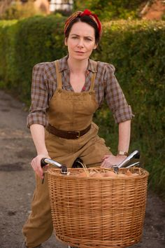 Home Fires...Steph Farrow, selling eggs. Season 2