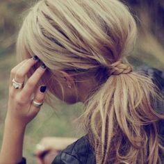Moda: #Imperdibili #acconciature per la scuola e lufficio: idee per capelli corti medi e lunghi (link: http://ift.tt/2cPusfd )