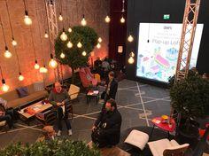 Zu Besuch im hippen Amazon Web Services (AWS) Pop-up Loft in der Neuhauser Straße, wo Robert Belle, PR Manager bei AWS, gute Tipps für erfolgreiche Start-up PR gab.