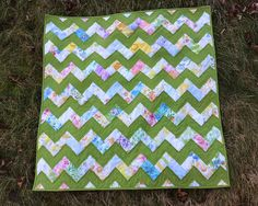 Zigzag Baby Quilt by quirky granola girl, via Flickr