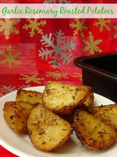 The perfect potato side dish for cripsy outsides and light and fluffy insides for Thanksgiving or Christmas. Get the #recipe here: http://pinkrecipebox.com/garlic-rosemary-roasted-potatoes/