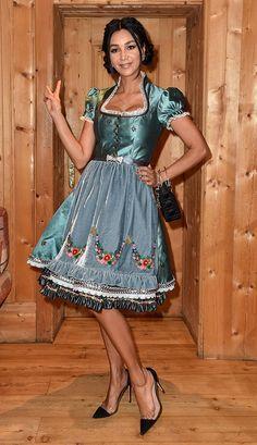 07 Dirndl Dress, Lolita Dress, Retro Outfits, Cute Outfits, German Women, German Fashion, Winter Mode, Maid Dress, Feminine Dress