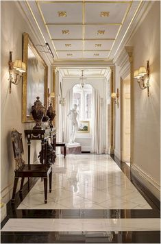 18 Luxury Entryway Decoration Ideas You Have To Know – Welcome to our gallery which displays the unique design of the entrance (porch) in luxury homes to find decorating inspiration ideas. House Design, Floor Design, Entry Way Design, Luxury Homes Interior, Luxury Homes, Hallway Designs, Interior Design, Luxury Interior, Luxury Home Decor