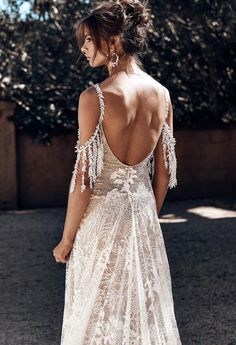 Wonderful Perfect Wedding Dress For The Bride Ideas. Ineffable Perfect Wedding Dress For The Bride Ideas. Perfect Wedding Dress, Best Wedding Dresses, Boho Wedding Dress, Wedding Gowns, Lace Wedding, Wedding Bands, Western Wedding Dresses, Forest Wedding, Woodland Wedding