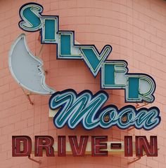 drive in movie Silver Moon Drive-In Theatre - Lakeland, FL Old Neon Signs, Vintage Neon Signs, Old Signs, Roadside Signs, Roadside Attractions, Light Art, Retro Signage, Drive In Movie Theater, Googie