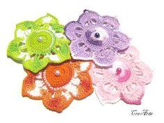 Crochet flower appliques Set of 4 crochet by CreArtebyPatty