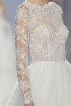 Fashion forward silhouettes, glamorous plunge necklines and exquisite lace wedding dresses gain an ethereal quality in the new Rosa Clara 2018 collection Wedding Dress With Veil, Cute Wedding Dress, White Wedding Dresses, Bridal Dresses, Wedding Gowns, Bridesmaid Dresses, Dream Wedding, Bride Gowns, Rosa Clara 2015
