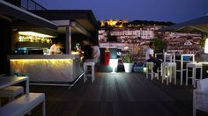 Rooftop bar Lisbon Hotel - Hotel Mundial in Lisbon center Portugal Travel, Lisbon Portugal, Lisbon Hotel, Sky Bar, Bons Plans, Rooftop Bar, Old World Charm, Top Of The World, Pilgrimage
