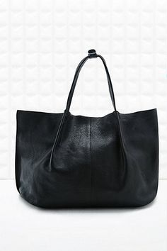 Out From Under Schwarze Shopper-Tasche aus weichem Leder - Urban Outfitters