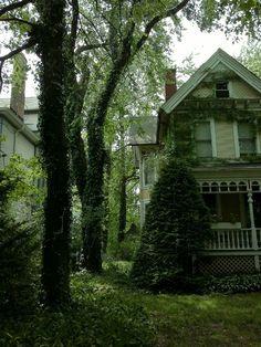 Overgrown Victorian, Portland, Oregon photo via madi