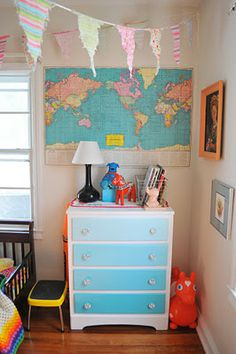 Dresser drawer ombre with felt on the inside for showing stuff and then stuff haning from the cool knobs! Old Dresser Redo, Old Dressers, Dresser Drawers, Furniture Makeover, Cool Furniture, Painted Furniture, Furniture Ideas, Girl Nursery, Girls Bedroom