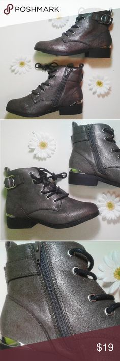 Ankle Booties Dark Silver Shimmer Size 9 These Ankle Booties have a silver dark shimmer with a slight grey undertone. They are very glamorous and with a small hint of simplicity. I would reccomend these for any girl whole loves shimmer with their ankle booties. Primark Shoes Ankle Boots & Booties