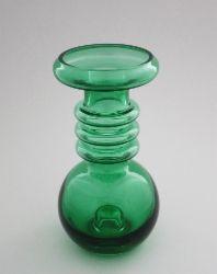 Carmen-maljakkokynttilänjalka, Tamara Aladdin, Riihimäen lasi Glass Art Design, Art Deco Glass, Design Art, Shopping Places, Retro Art, Old Antiques, Czech Glass, Wood Art, Glass Vase