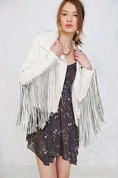 Kendall Jenner's Stylist Picks Her 3 Favorite Spring Trends #refinery29  http://www.refinery29.com/los-angeles-stylists-spring-picks#slide-4