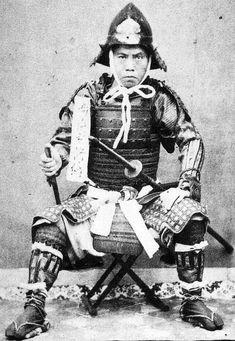 Samurai with a sode jirushi and holding a tessen fan.