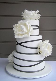 White Flowers  Black Stripes Wedding Cake  Cameron-Hollyer Cameron-Hollyer Kern