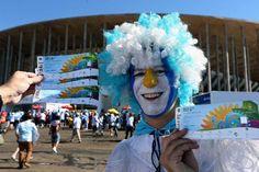 Hinchas argentinos en el estadio Mané Garrincha