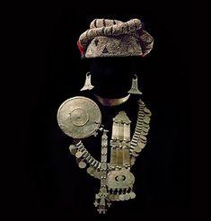 Joyería étnica Mapuche de Argentina y Chile » El blog de LosAbalorios. High Jewelry, Tribal Jewelry, Indian Jewelry, Jewellery, Ancient Jewelry, Antique Jewelry, Vintage Jewelry, Southern Cone, Look Boho