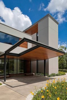 Incredibly designed modern property in Houston by Robertson Design