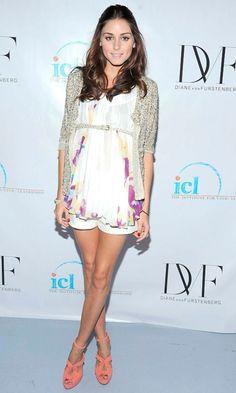 Olivia Palermo: white shorts, DVF floral top, cardi, skinny belt, coral heels