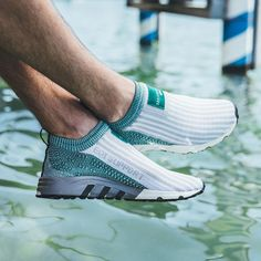 Comment acheter les Adidas EQT Support SK sans lacets 'Sub Green' ? Sneakers Vans, Converse, Casual Sneakers, Sneakers Fashion, Women's Shoes, Shoe Boots, Baskets Adidas, Adidas Outfit, Shoes, Boots, Man Style