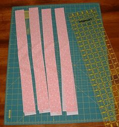 This tutorial is for binding a quilt with straight edges using binding strips cut on the straight grain from your own fabric (not purchased . Quilting Tips, Quilting Tutorials, Hand Quilting, Machine Quilting, Quilting Projects, Sewing Tutorials, Sewing Projects, Sewing Tips, Sewing Ideas