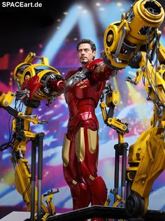 Iron Man 2: Suit-Up Gantry with Iron Man - Deluxe Figur, Fertig-Modell ... http://spaceart.de/produkte/irm018.php