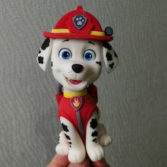 This Wonderful PAW Patrol cake features terrific hand-crafted edible figures of Skye, Ryder, and Marshall. Torta Paw Patrol, Paw Patrol Cake Toppers, Paw Patrol Figures, Paw Patrol Characters, Paw Patrol Birthday Cake, Paw Patrol Party, Marshall Cake Paw Patrol, Paw Patrol Bedroom, Fire Engine Cake