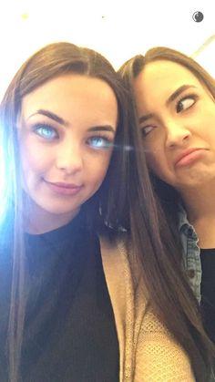 Merrell Twins   Snapchat: MerrellTwins