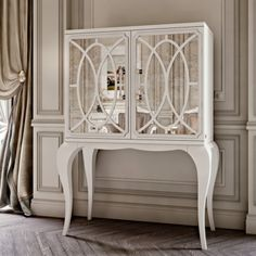 Luxury Italian White Fretwork Mirrored Cocktail Cabinet