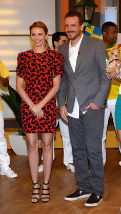 Pin for Later: Cameron, Katie, and Nicola Hope You're Not Over Crop Tops and Jumpsuits Yet Cameron Diaz and Jason Segel Cameron Diaz in Saint Laurent and Jason Segel at Despierta América.