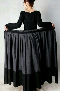 Falda negra y gris