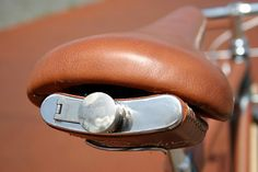 Flask Mounted on Leather Bike Seat... Ateliers d'Embellie Porteur