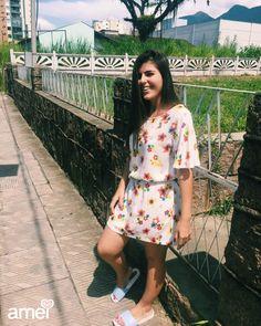 Vestidinho floral de viscose #etiquetaamei  #lojaamei #vestido #floral #viscose #flores #verao #chinelo
