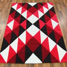 colours and geometric maori-inspired Modern Rugs Uk, Contemporary Rugs, Art Maori, Maori Patterns, Maori Designs, Tattoo Designs, Indian Quilt, Polynesian Art, Nz Art