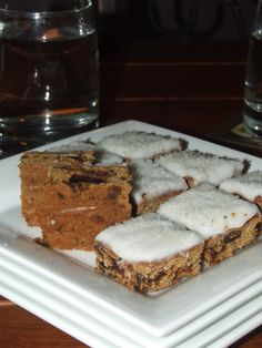 """Date Slice - one of my favourites - from recipe book """"Cut out the Crap"""" Gluten Free, Dairy Free, Preservative Free, Additive Free Date Slice, Dairy Free, Gluten Free, Allrecipes, Banana Bread, Slow Cooker, Cake Recipes, Lunch Box, Cooking Recipes"""