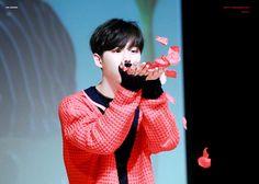 Pentagon Hongseok, Cube Ent, Ikon, Shinee, Pretty People, Boy Groups, Sunset, Cry, Beautiful People