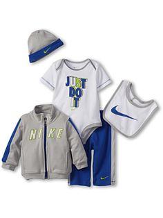Nike Kids Nike® 5 Pc. Gift Set (Newborn)