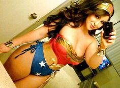 Curvy Wonder Woman. What makes this woman sexy isn't just her outfit...it's that look of 'Yeah. Nailed it.' Confidence, ladies. THAT'S what makes you sexy...loving yourself. girlzwithcurves: wonderwoman ! Shi xoxo