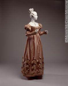 1823-1825, 19th century Fibre: silk (taffeta, satin), cotton (lining); Sewn (hand) M20555.1-2 © McCord Museum