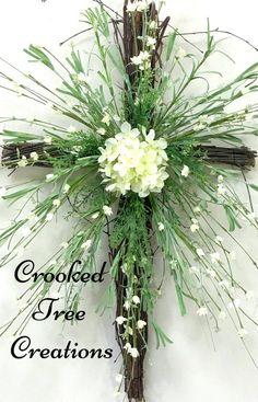 60 Easy DIY Easter Wreaths & Door Decorations You'd be Itching to Try Right Now – Hike n Dip Easter Flower Arrangements, Easter Flowers, Church Flowers, Funeral Flowers, Easter Altar Decorations, Lent Decorations For Church, Easter Centerpiece, Easter Decor, Easter Ideas