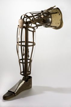 Artificial 'Bird Cage' right leg, Europe, 1913-1923