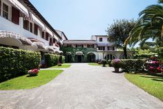 Impressive property ideal for investment    Forte Dei Marmi, Lucca, Italy – Luxury Home For Sale
