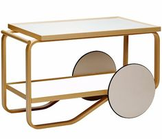 tea trolley 901 Design Alvar Aalto, 1936 Bent birch plywood, laminate Made in Finland by Artek Objects are made to be completed by the human mind. Trolley Table, Tea Trolley, Tea Cart, Serving Trolley, Alvar Aalto, Table Furniture, Modern Furniture, Furniture Design, Interior Exterior