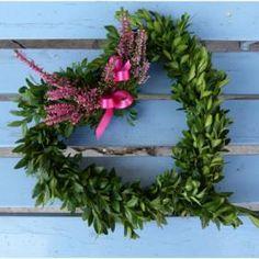Podzimní dekorace Christmas Wreaths, Holiday Decor, Home Decor, Christmas Swags, Decoration Home, Holiday Burlap Wreath, Interior Design, Home Interior Design, Christmas Garlands