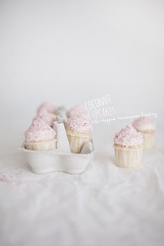 Coconut cupcakes with pink coconut flakes (recipe in Swedish and English)