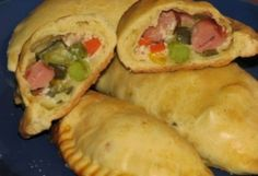 Calzone, Empanadas, Meat Recipes, Bacon, Good Food, Mexican, Cooking, Ethnic Recipes, Tupperware
